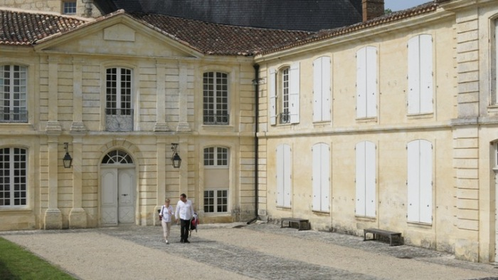 Chefs Fudge and Meret depart Château Montastru